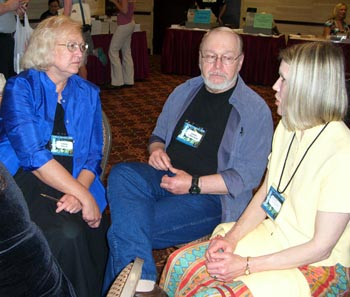 Connie Willis and Barry Longyear at the Friday night autographing at Nebula Awards 2008