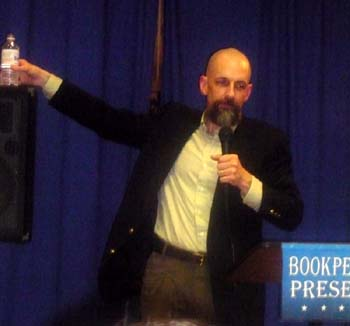 Neal Stephenson at Book People in September 2008