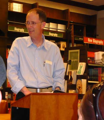 William Gibson at his reading at Barnes & Noble in Austin in 2008