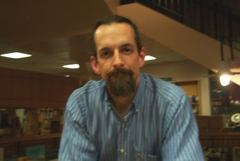 p249 Neal Stephenson at Book People in 2004